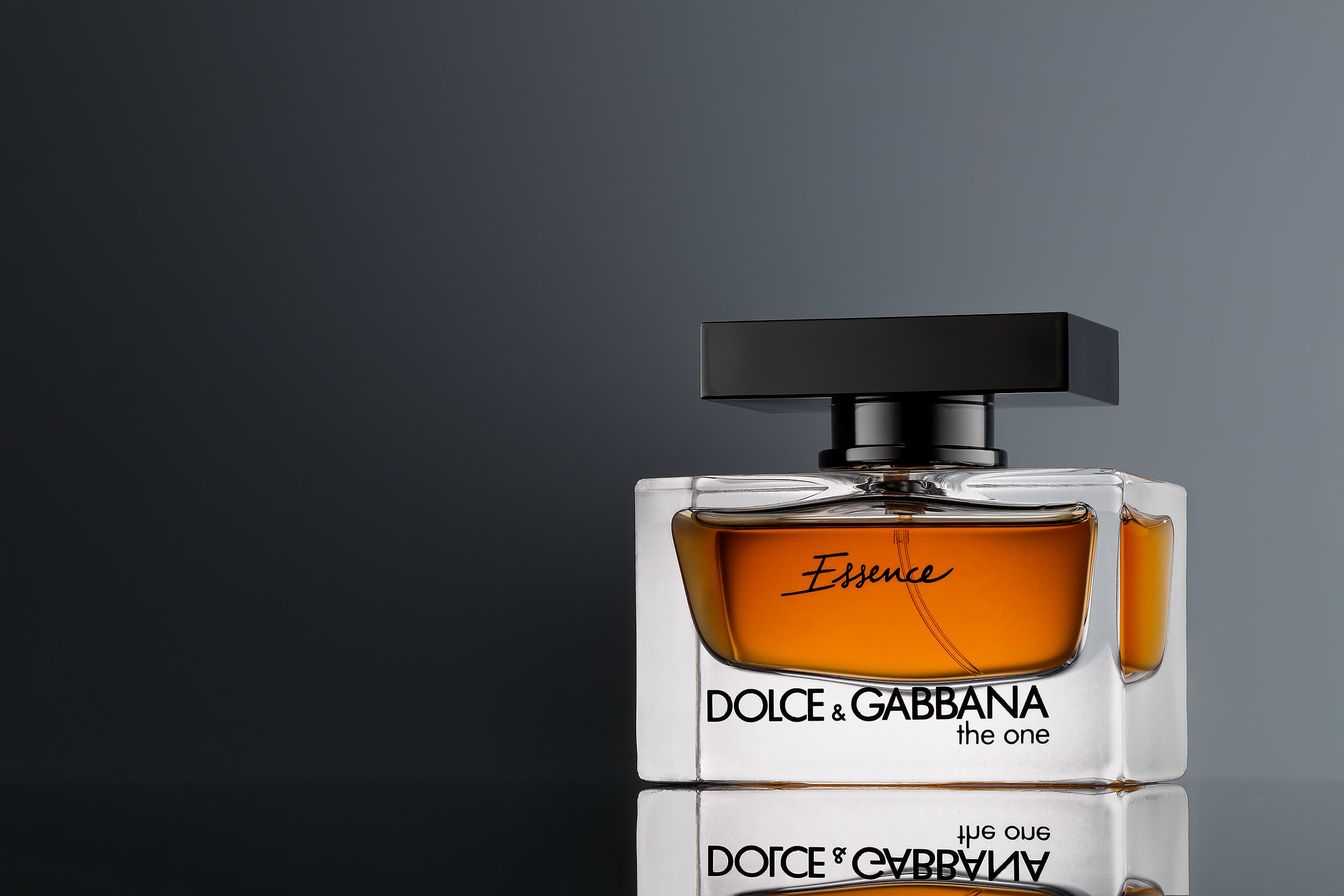 perfume product photograph gradient background