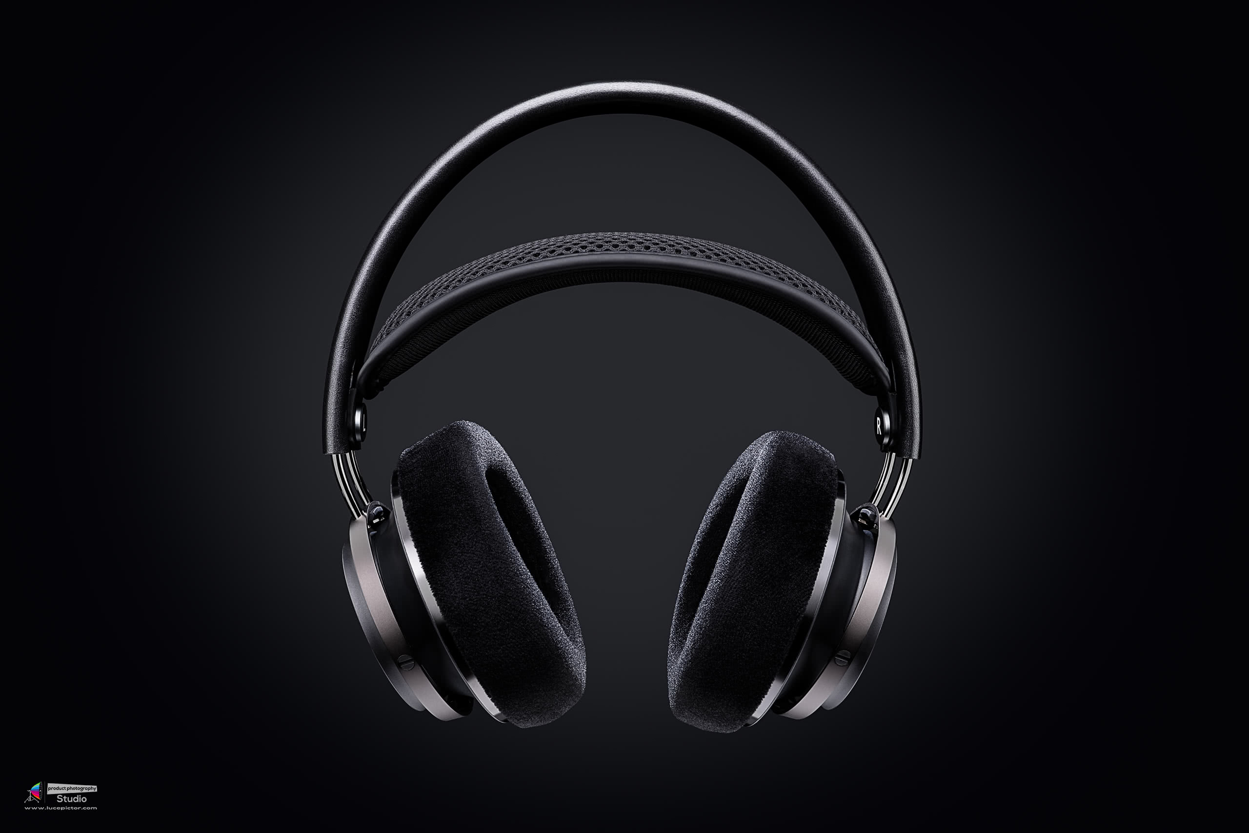 Philips Fidelio X2 headphones